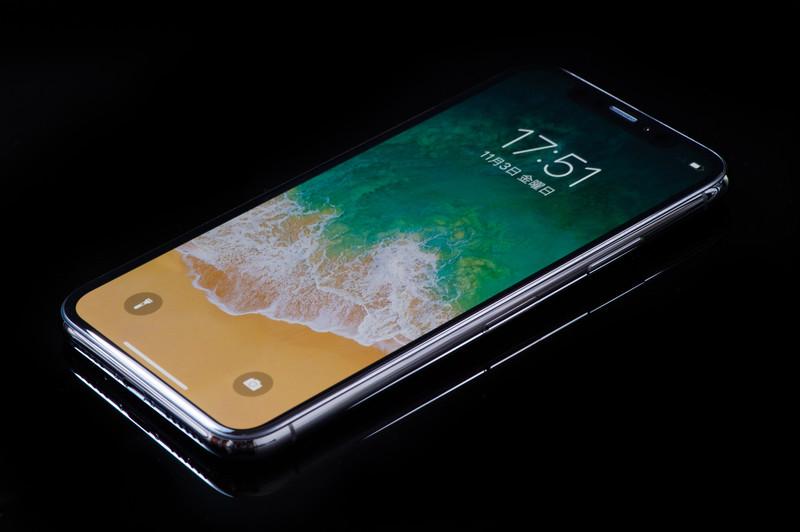 iPhone X ロック画面